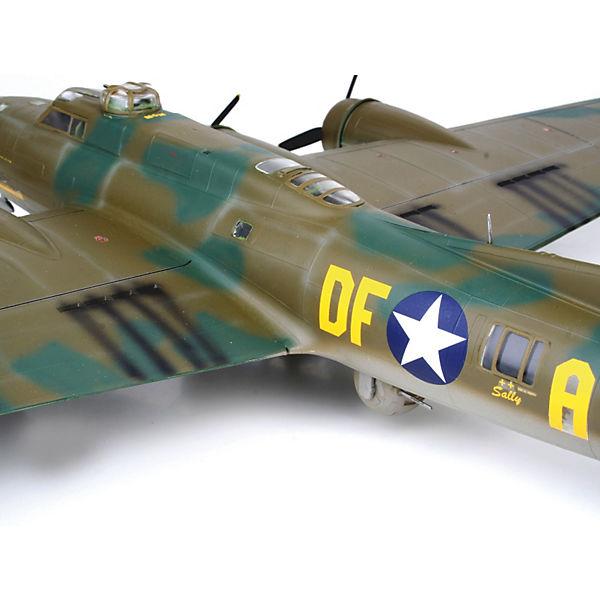 Самолет Boeing B-17F 'Memphis Belle'; 1:48