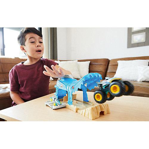 Игровой набор Hot Wheels Monster Trucks Пусковой гараж Шарк Рик от Mattel