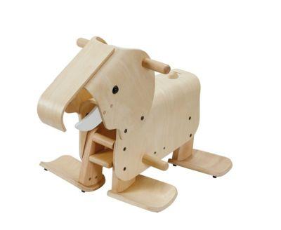 Gehender Elefant von PlanToys