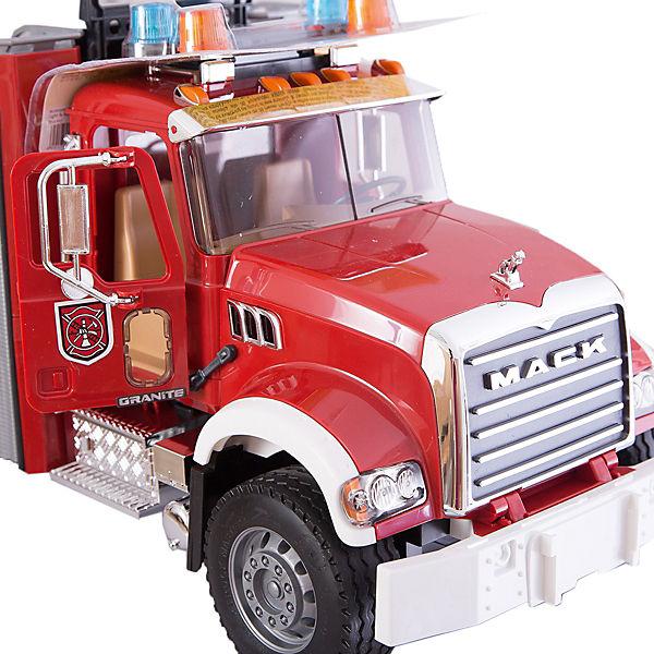 Пожарная машина MACK с выдвижной лестницей и помпой, Bruder