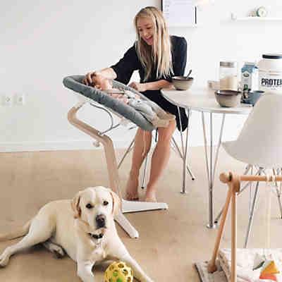 nomi hochstuhl walnu mit walnu kern natur ge lt premium hartholz pale pink nomi mytoys. Black Bedroom Furniture Sets. Home Design Ideas