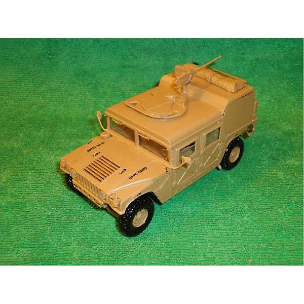 Сборная модель  Американский военный автомобиль.
