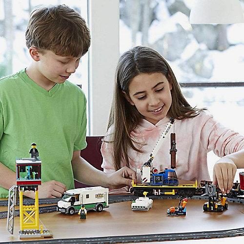 Конструктор LEGO City 60198: Товарный поезд от LEGO