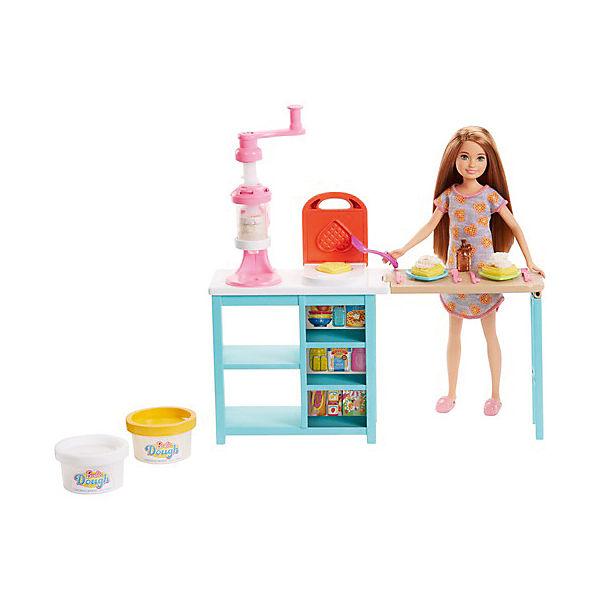 Игровой набор с куклой Barbie Завтрак со Стейси